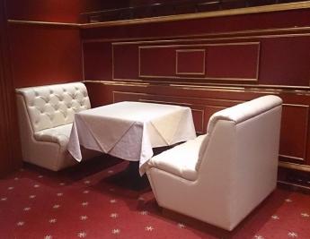 Дивани «Баден-Баден» в готелі Славутич