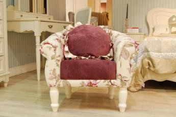 Новинка напряму «Меблі для дому» – крісло і пуф для дитячої Provence