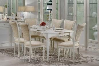 Стіл і стільці Venezia - тріумф стилю та краси