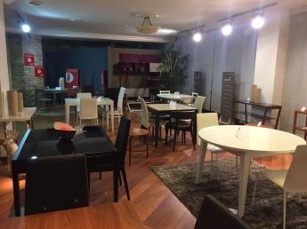 Столи та стільці фабрики Connubia. Зручно. Сучасно
